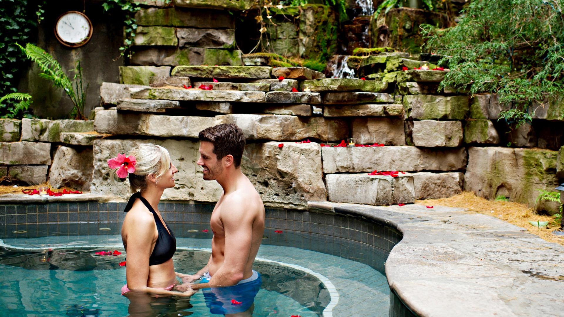 100 Fountain Spa, Pillar and Post, Spas of America