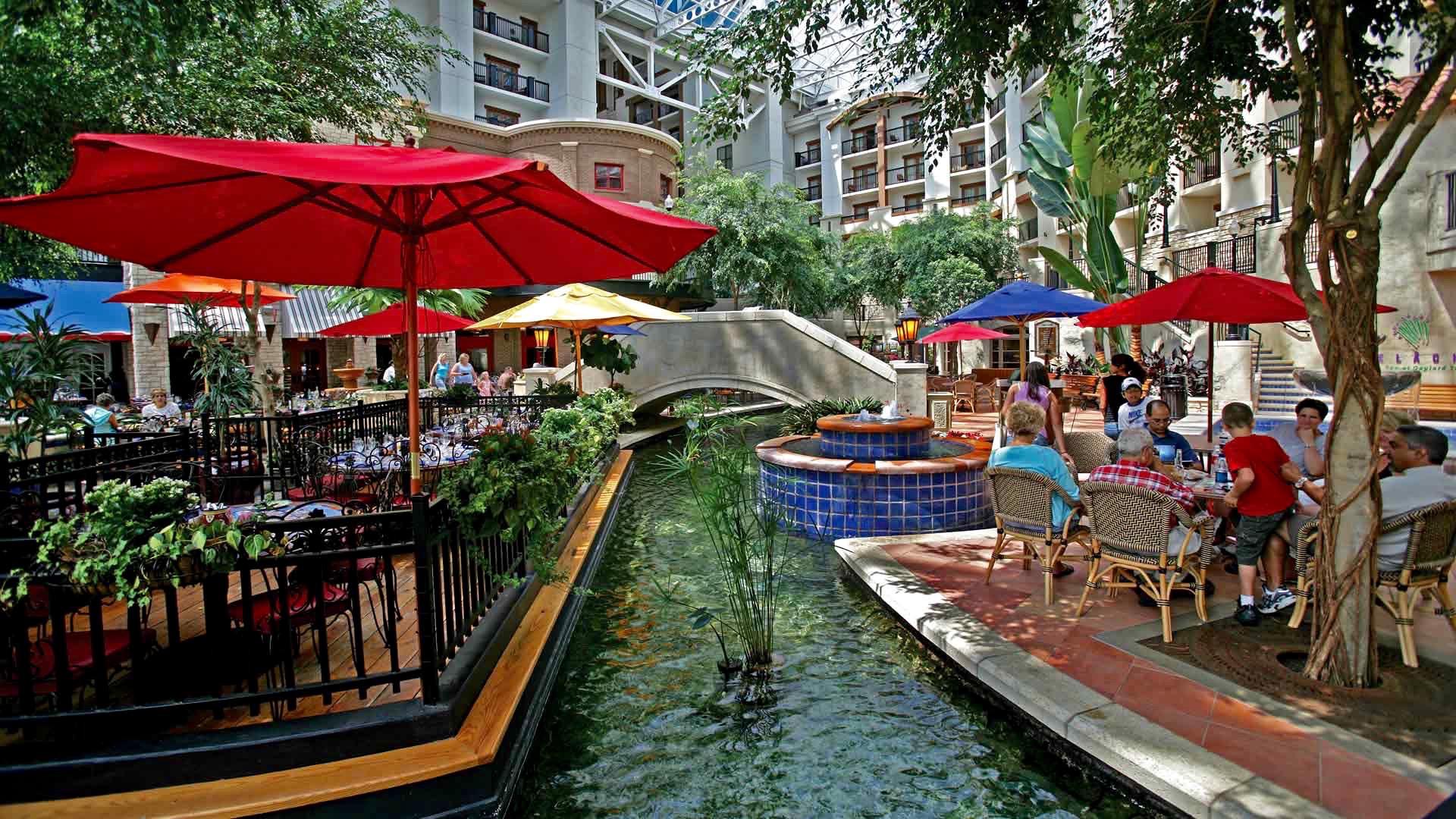 Restaurants At The Gaylord Texan Hotel