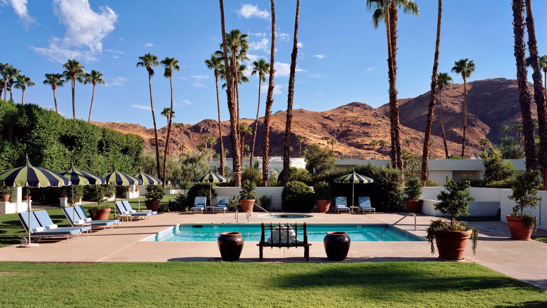 Desert paradise gay men's resort palm springs ca