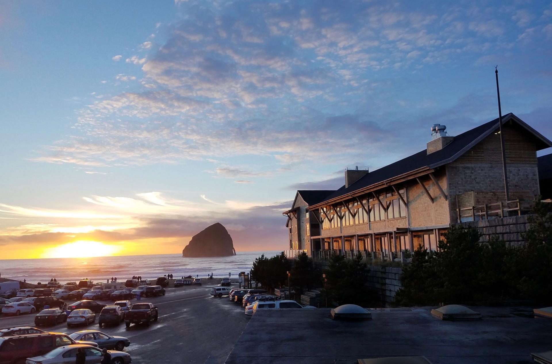 Headlands coastal lodge spa pacific city oregon spas for Pacific city oregon cabins